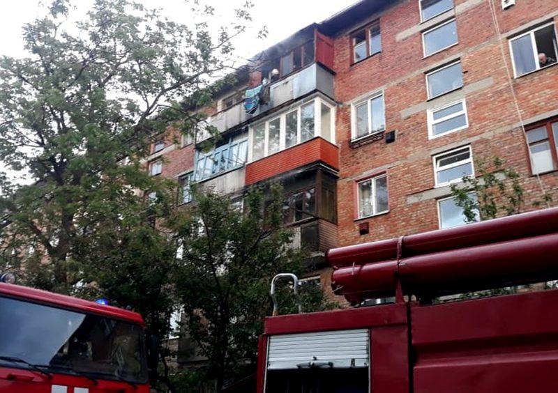На Николаевщине спасатели ликвидировали пожары балкона и хозпостройки, загоревшейся из-за детских шалостей с огнем (ФОТО)