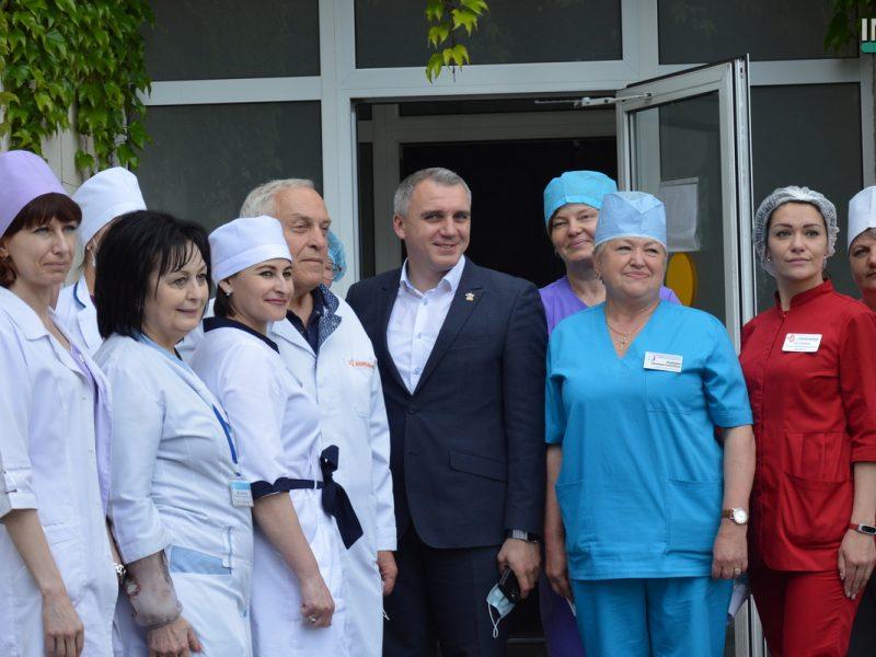 В Николаеве PepsiCo передала городской больнице №3 средства индивидуальной защиты и стирально-сушильное оборудование (ВИДЕО и ФОТО)