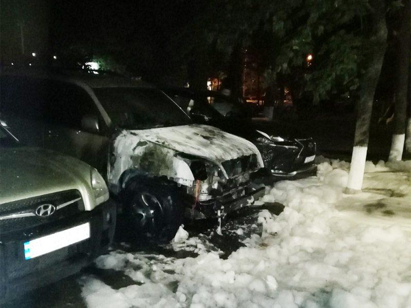 За ночь в Николаеве и области сгорели 3 иномарки (ФОТО)