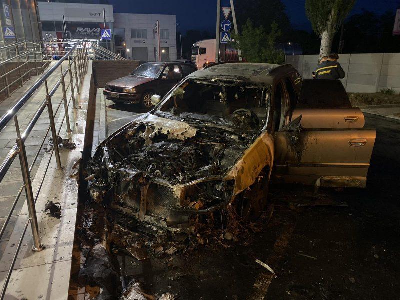 В Николаеве ночью сгорел Subaru (ФОТО)
