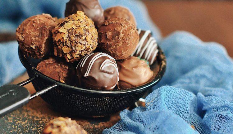 Карантин с пользой. Как украинский шоколатье освоил сырные конфеты (ФОТО)