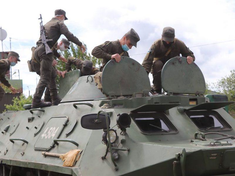 На базе Николаевского полка Нацгвардии начались специальные сборы с экипажами БТР Южного ОТО (ФОТО)
