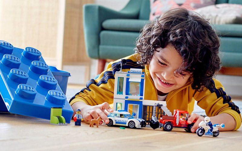 Lego отказалась от рекламы конструкторов с фигурками полицейских из-за протестов в США