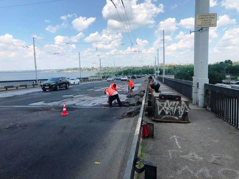 В Николаеве САД рапортует о завершающем этапе реконструкции полос на Ингульском мосту