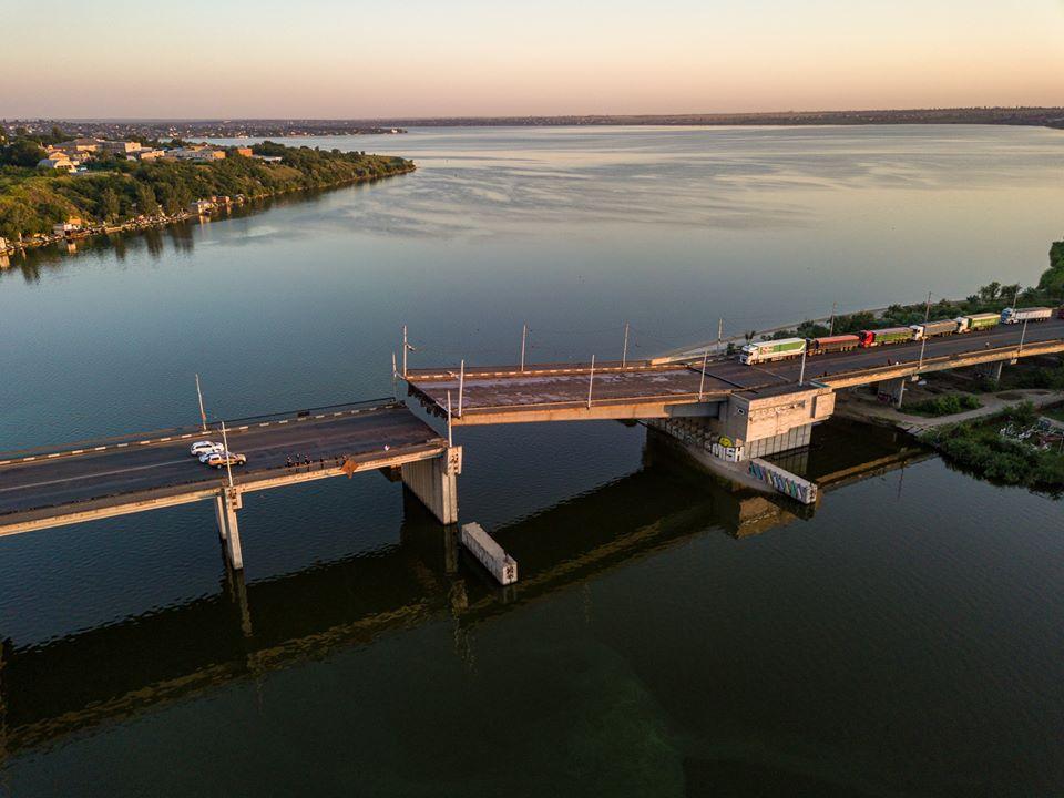 Мост в Николаеве развелся сам по себе (ВИДЕО, ФОТО) 1