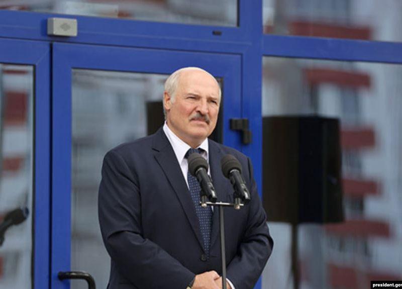 «Наконец-то я попал в золотой фонд Беларуси, несущий этот вирус» – Лукашенко заявил, что переболел коронавирусом