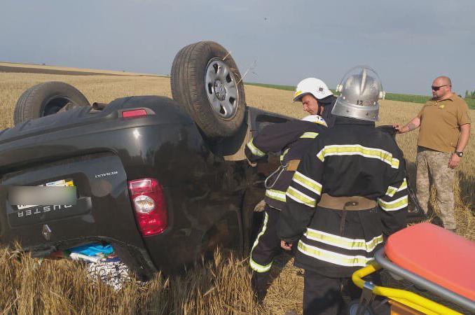 На Николаевщине перевернулся автомобиль с водителем и пятью пассажирами (ФОТО)