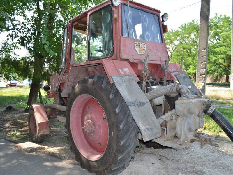 В Николаеве четыре дома остались сегодня без воды из-за припаркованной во дворе машины (ФОТО)