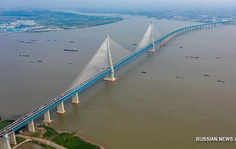 Завидуем молча. В Китае открыли мост с самым длинным пролетом в мире (ФОТО)