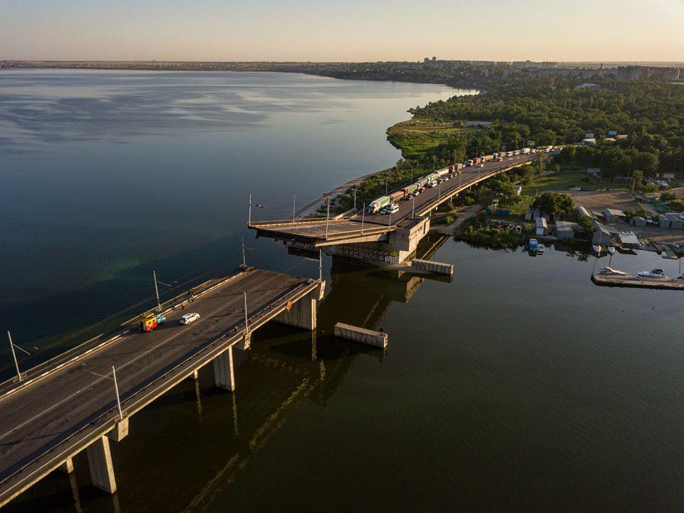 Мост в Николаеве развелся сам по себе (ВИДЕО, ФОТО) 3
