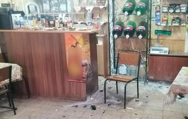 В Полтаве два кафе забросали петардами