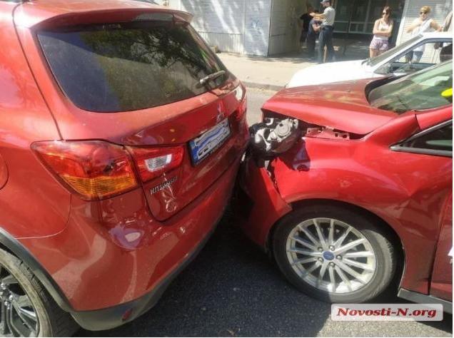 В ДТП в Николаеве пострадала пассажир такси (ФОТО)