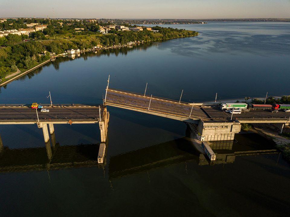 Мост в Николаеве развелся сам по себе (ВИДЕО, ФОТО) 5