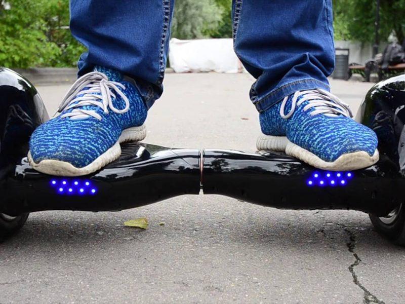 В Раде хотят запретить владельцам электро- и гироскутеров ездить по тротуарам