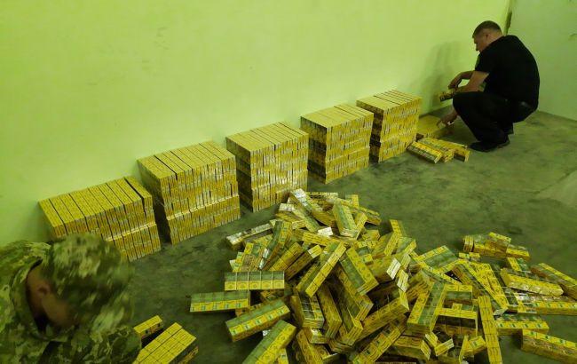 На границе с Беларусью задержали фуры с рекордной партией сигарет (ВИДЕО)