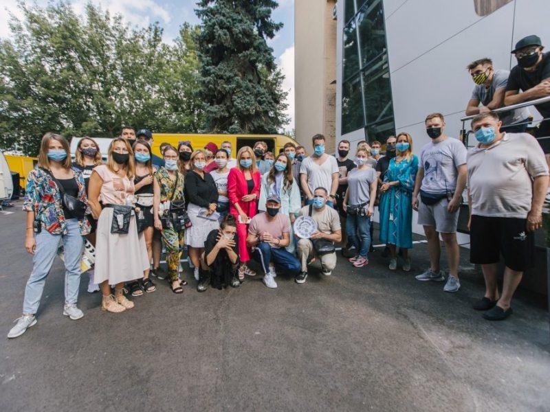 "Студия ""Квартал 95"" снимет сериал ""18-летний олигарх"" для канала Ахметова"
