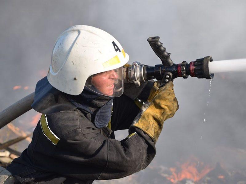 В Николаеве на пожарах спасли двух мужчин – они чуть не погибли из-за собственной неаккуратности