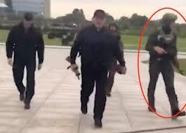 Оппозиция Беларуси потребовала расследовать выдачу оружия 15-летнему сыну Лукашенко