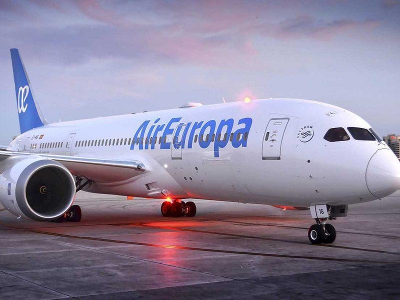 Из-за пьяного украинца, отказавшегося надевать маску, в Испании экстренно сел самолет