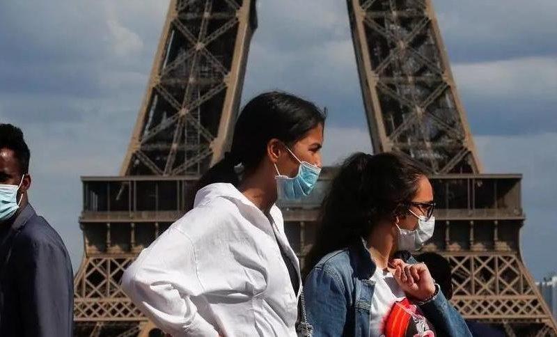 Французская экономика не досчиталась от 30 до 40 млрд евро из-за не приехавших этим летом в страну туристов