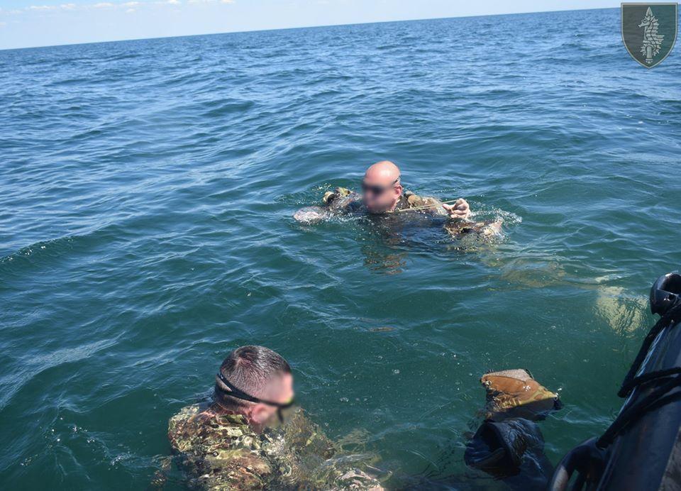 На Николаевщине прошли соревнования по плаванию в память о погибшем на Донбассе командире очаковских «морских котиков» Алексее Зинченко (ФОТО) 19