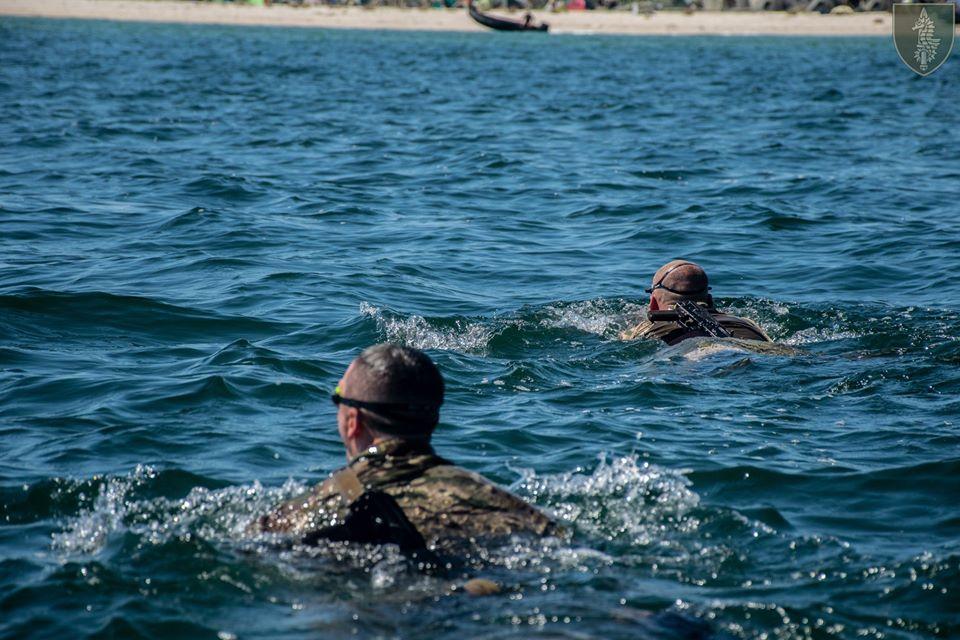 На Николаевщине прошли соревнования по плаванию в память о погибшем на Донбассе командире очаковских «морских котиков» Алексее Зинченко (ФОТО) 21