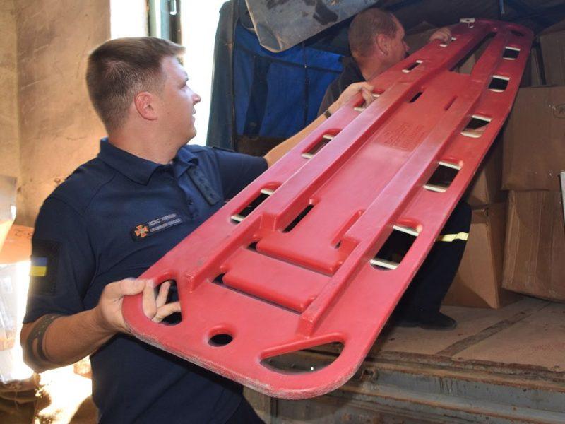 Пожарные Николаевской области получили от Канады спецодежду и снаряжение (ФОТО)
