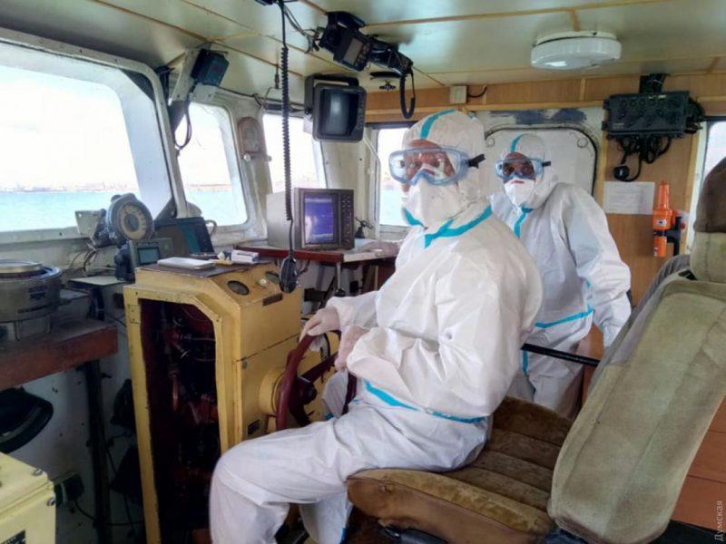 В порт Южный зашел греческий корабль — половина экипажа больна COVID-19