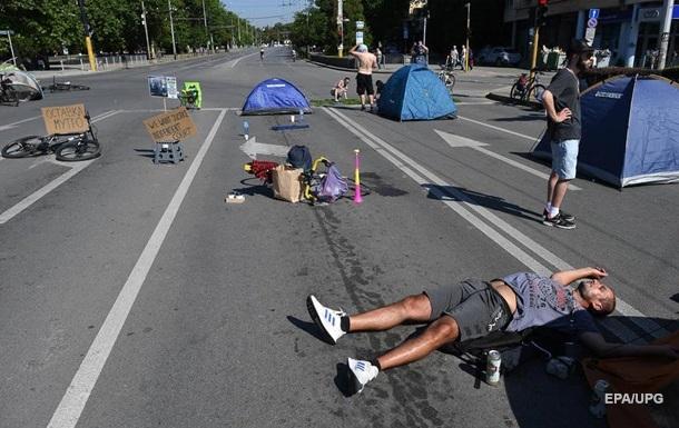В Болгарии полиция снесла палаточные городки протестующих