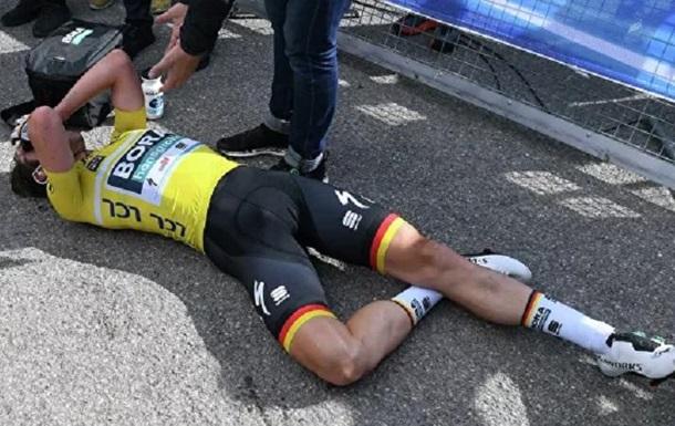 Немецкого велогонщика сбила машина во время соревнований