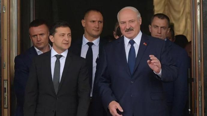 Контакты с Беларусью поставлены на паузу – Кулеба
