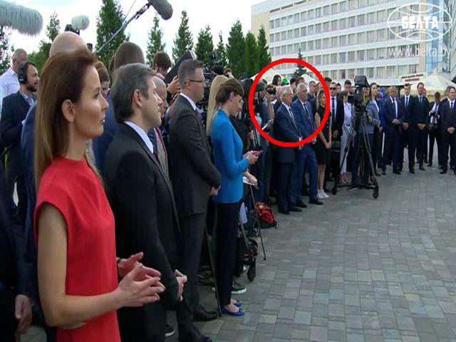 Глава запрещенной в Украине компартии Симоненко присутствовал на пресс-конференции Лукашенко (ВИДЕО)