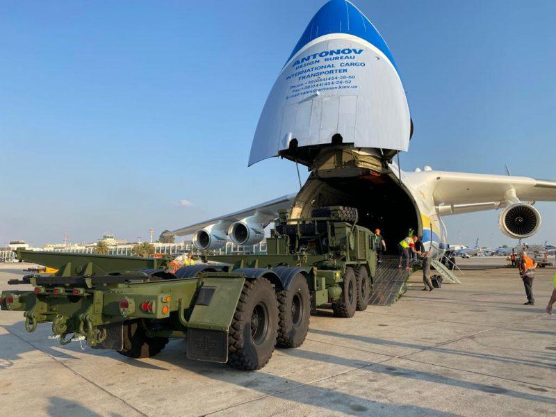 Эффектная посадка. Украинский самолет-гигант доставил военный груз в Израиль (ФОТО, ВИДЕО)
