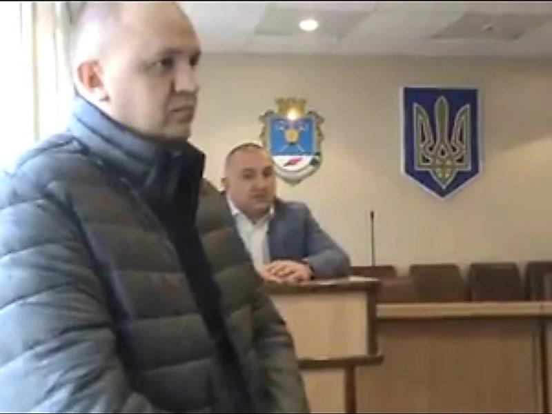Скандал. В Николаевской области у начальника СБУ угнали машину с секретными документами
