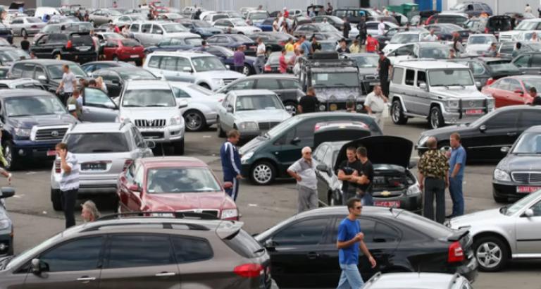 Спасаясь от коронавируса, европейцы покупают старые автомобили