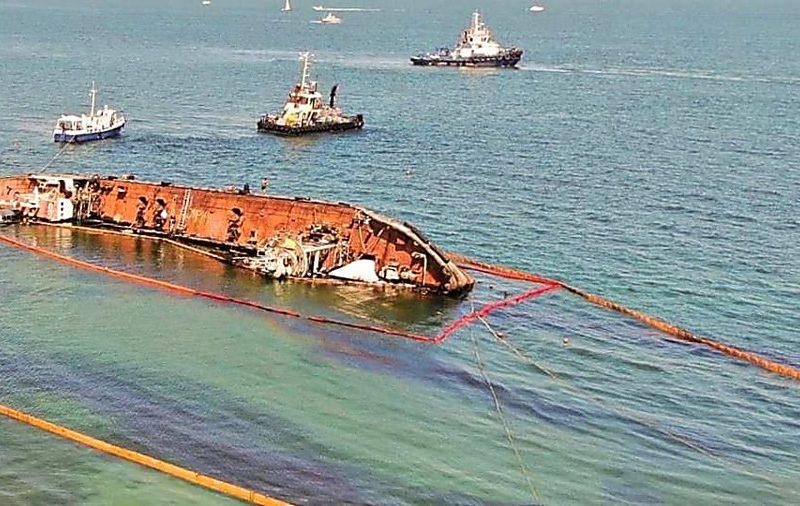 Госэкоинспекция: поднятие танкера Delfi не повлекло загрязнение Черного моря
