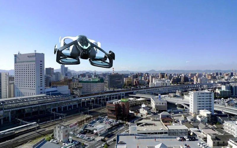 В Японии впервые испытали летающее авто с человеком на борту (ВИДЕО)
