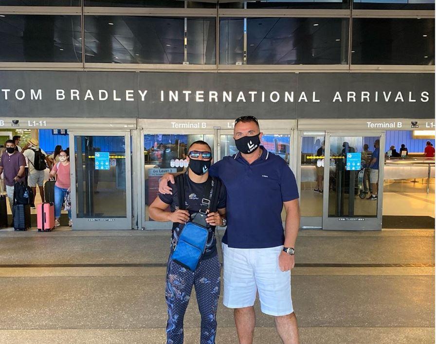 Ломаченко прилетел в США для подготовки к бою с Лопесом (ФОТО) 1