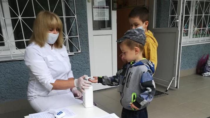 Детсады должны обеспечить масками детей и своих сотрудников, – Минобразования
