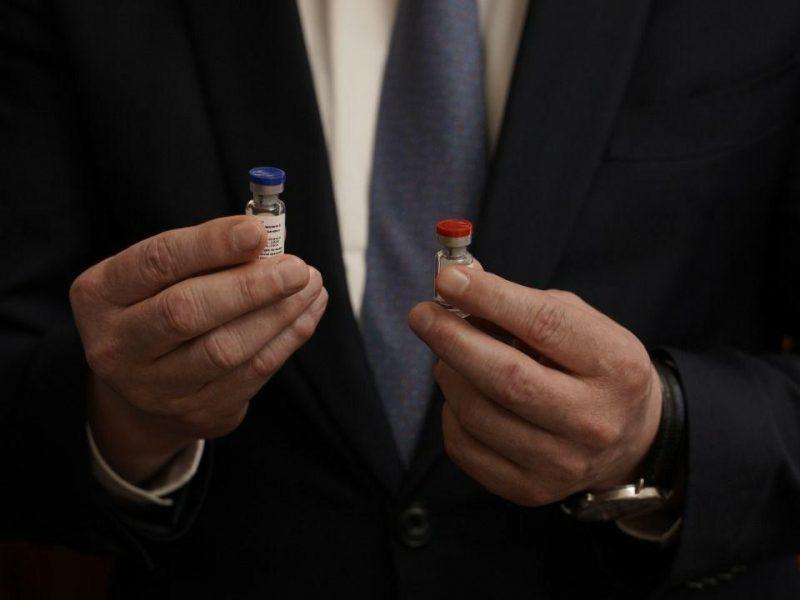 Испытывать на беларусах российскую вакцину от Covid-19 начнут с октября