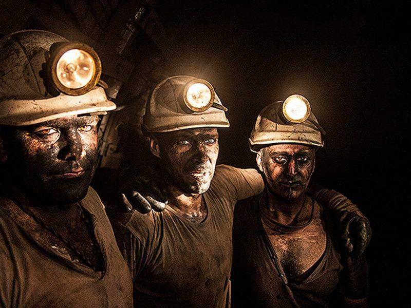 400 горняков Криворожского железорудного комбината прекратили подземный протест и поднялись на поверхность – Волынец