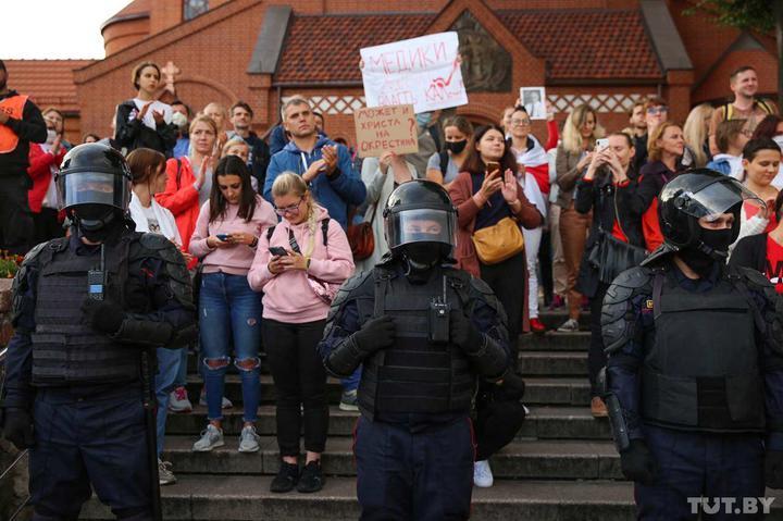 Более 200 человек задержаны в Минске на акции протеста – правозащитники