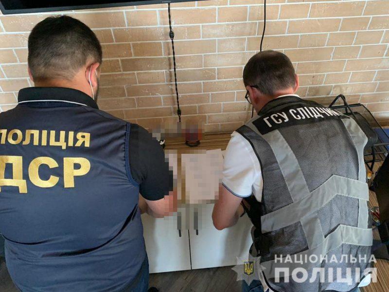 В портах Николаев и Черноморск морской агент создал мошенническую схему завладения средствами иностранной компании судовладельцев (ФОТО)