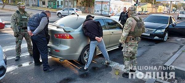Николаевские правоохранители задержали межэтническую преступную группу одесситов за серию разбойных нападений на дома (ФОТО, ВИДЕО)