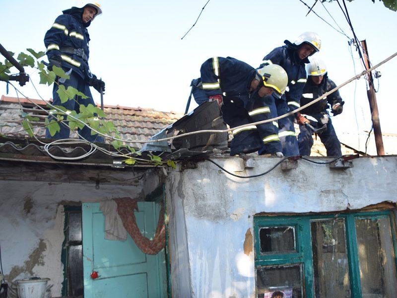 В Николаеве спасатели потушили пожар частного жилого дома (ФОТО)