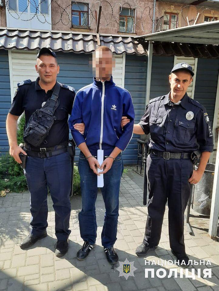 В Николаеве полиция задержала мужчину, который до смерти избил свою пожилую родственницу (ФОТО) 1