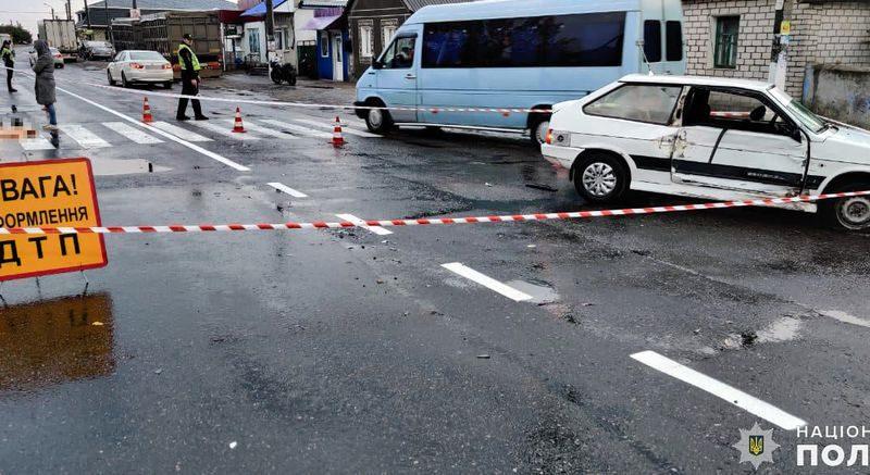 Николаевские полицейские устанавливают обстоятельства ДТП в пгт Александровка, в результате которого погиб водитель мопеда (ФОТО)