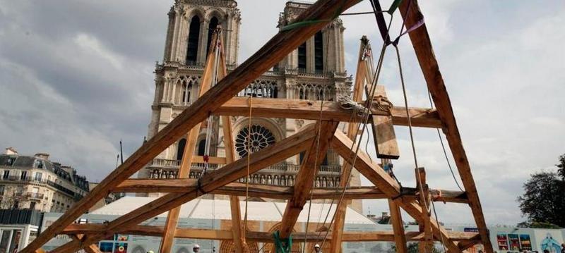 Для восстановления Нотр-Дам воспользовались средневековой технологией