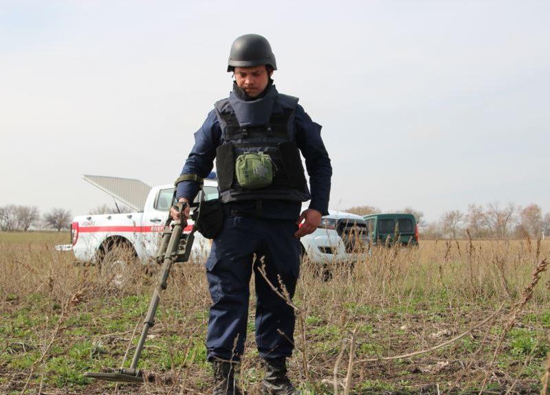 Прекрасное отношение: в России многодетным семьям выделили заминированные земельные участки