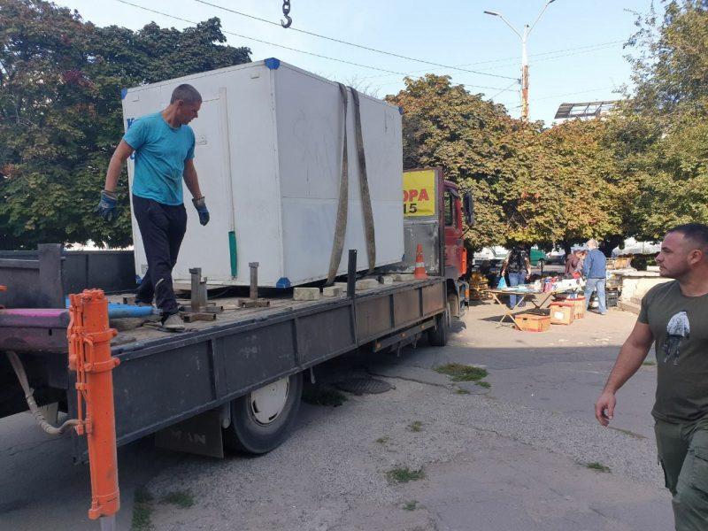 Как в «Дне Сурка»: на площади Победы убрали киоск, незаконно установленный в эти выходные (ФОТО)